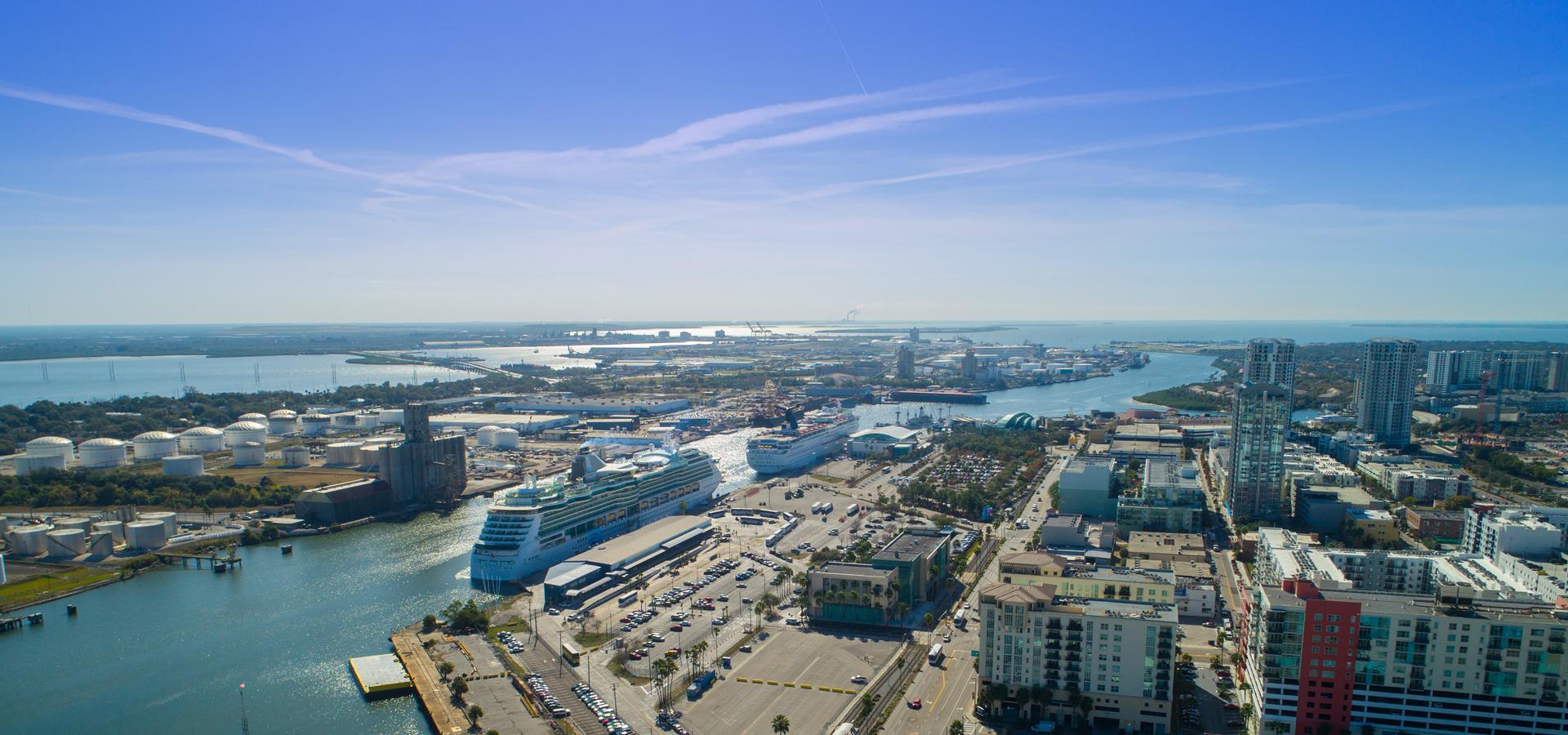 Peer-to-peer advisory in Tampa, Tampa Bay, Florida, USA