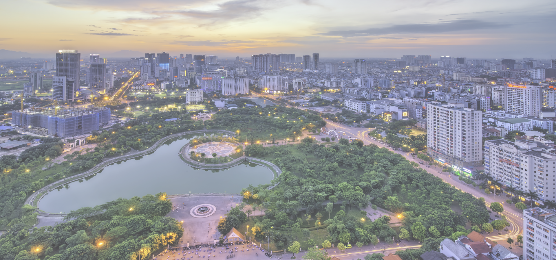 Peer-to-peer advisory in Hanoi, Hà Nội City, Red River Delta, Vietnam