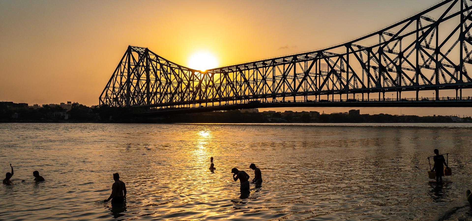 Peer-to-peer advisory in Kolkata, (Calcutta), West Bengal, India