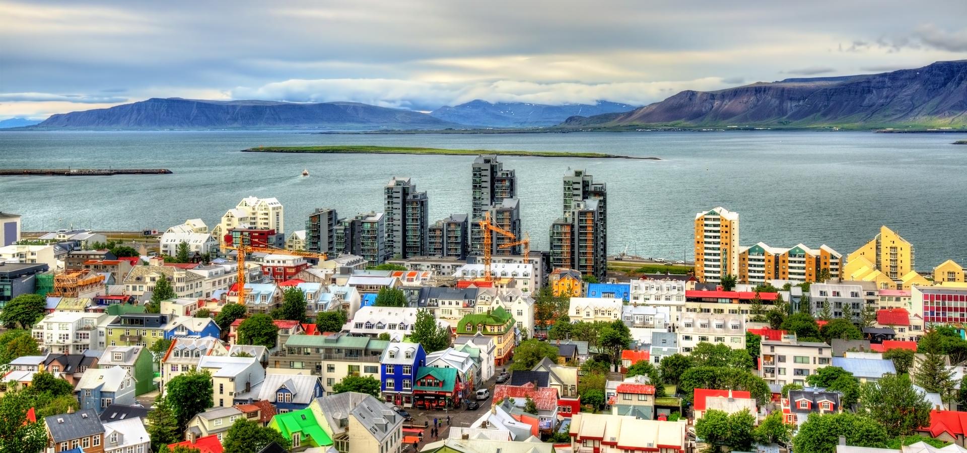 Peer-to-peer advisory in Reykjavík, Höfuðborgarsvæðið Region, Iceland