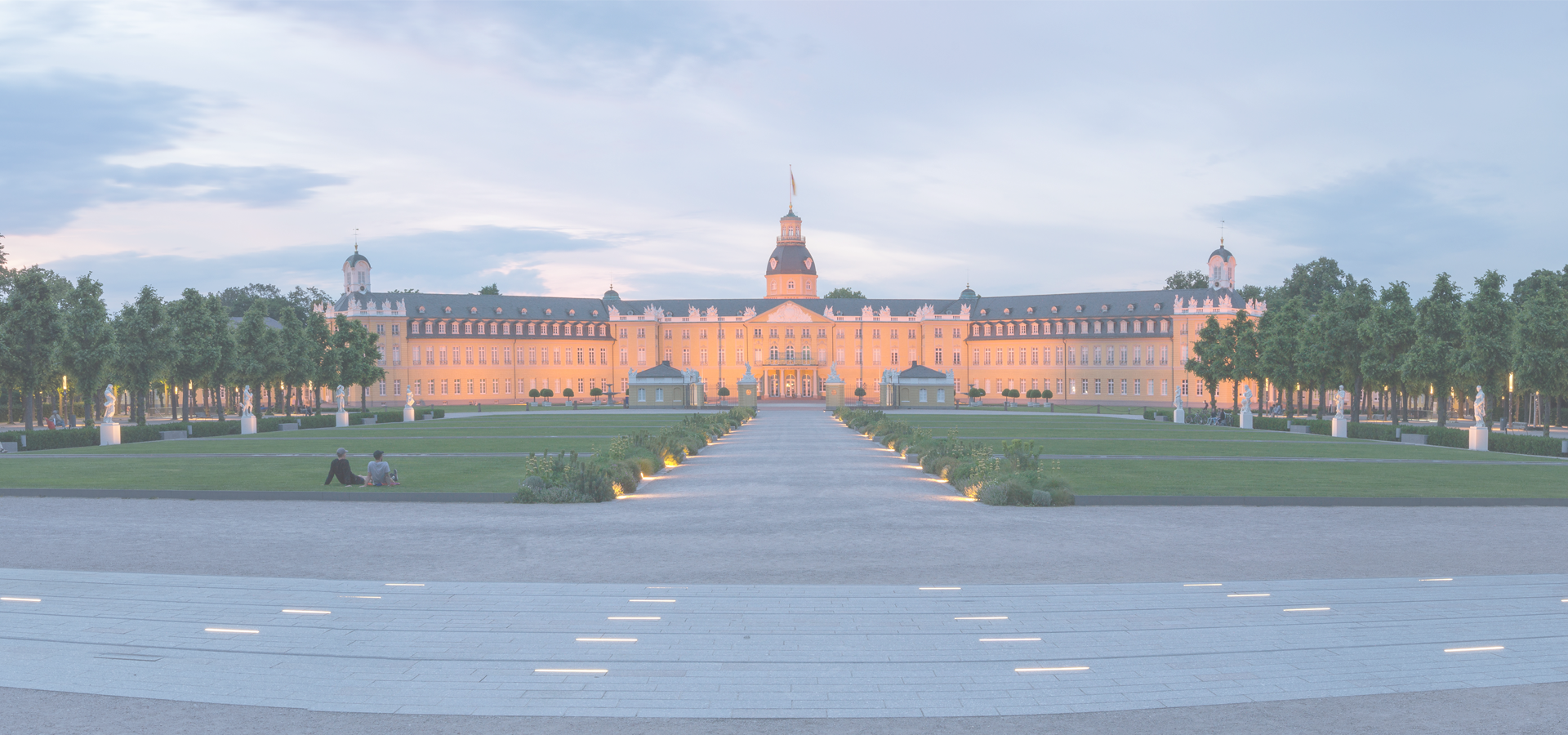 Peer-to-peer advisory in Karlsruhe, Baden-Württemberg, Germany