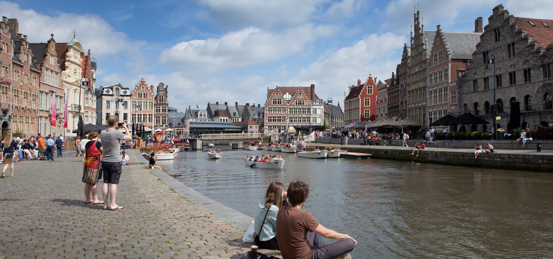 Peer-to-peer advisory in Ghent, East Flanders Province, The Flemish Region, Belgium