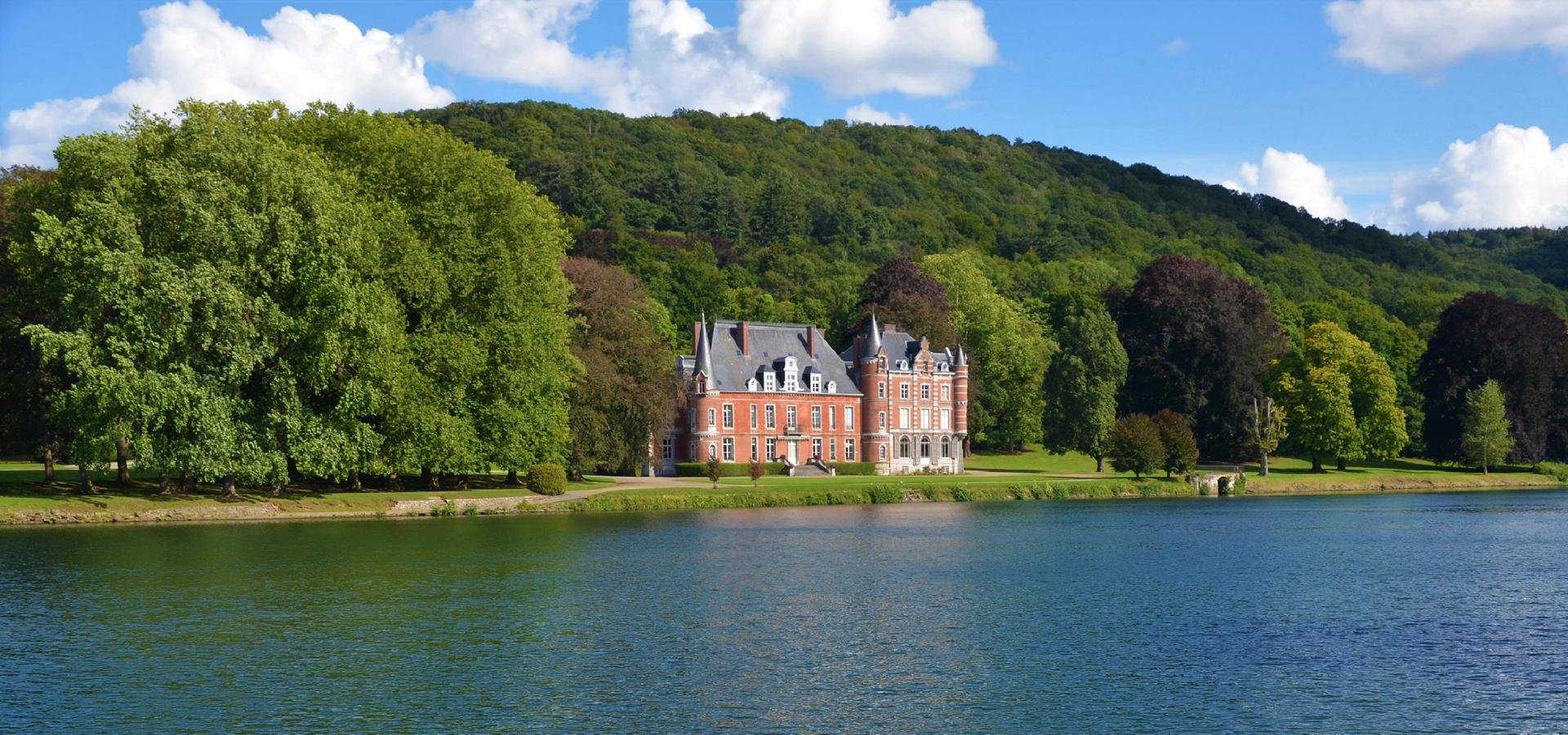 Peer-to-peer advisory in Wavre, Walloon Brabant Province, Wallonia, Belgium