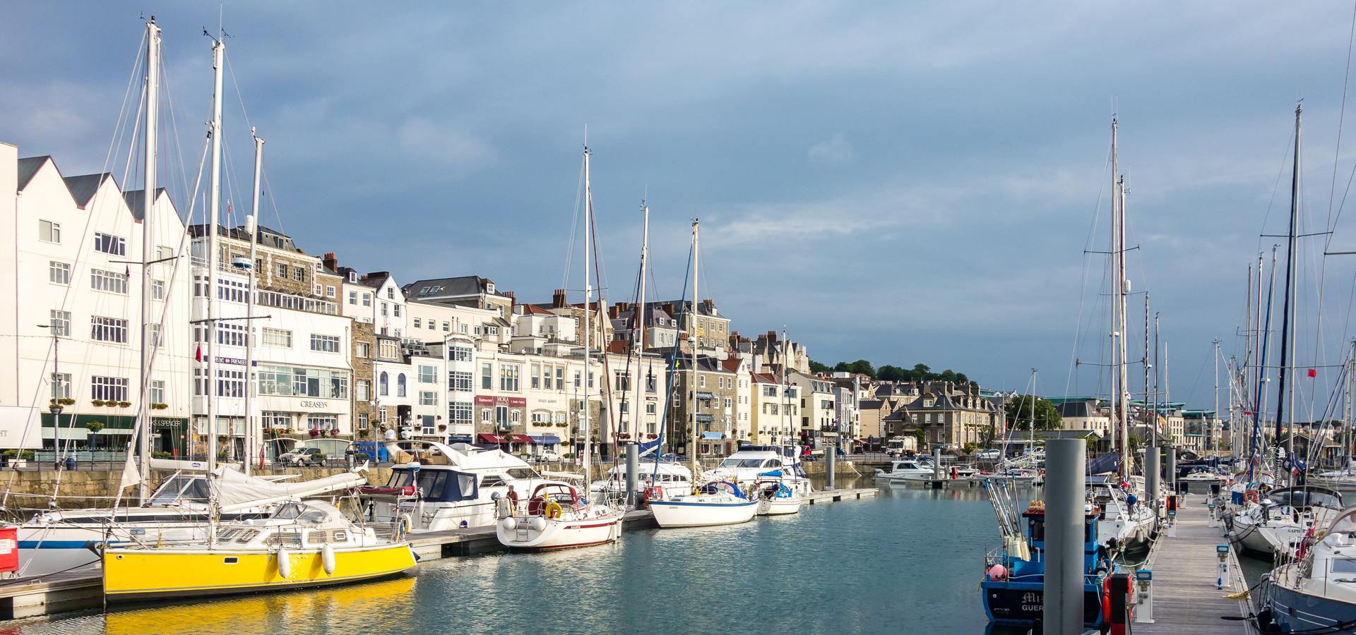 Peer-to-peer advisory in Guernsey, St Peter Port