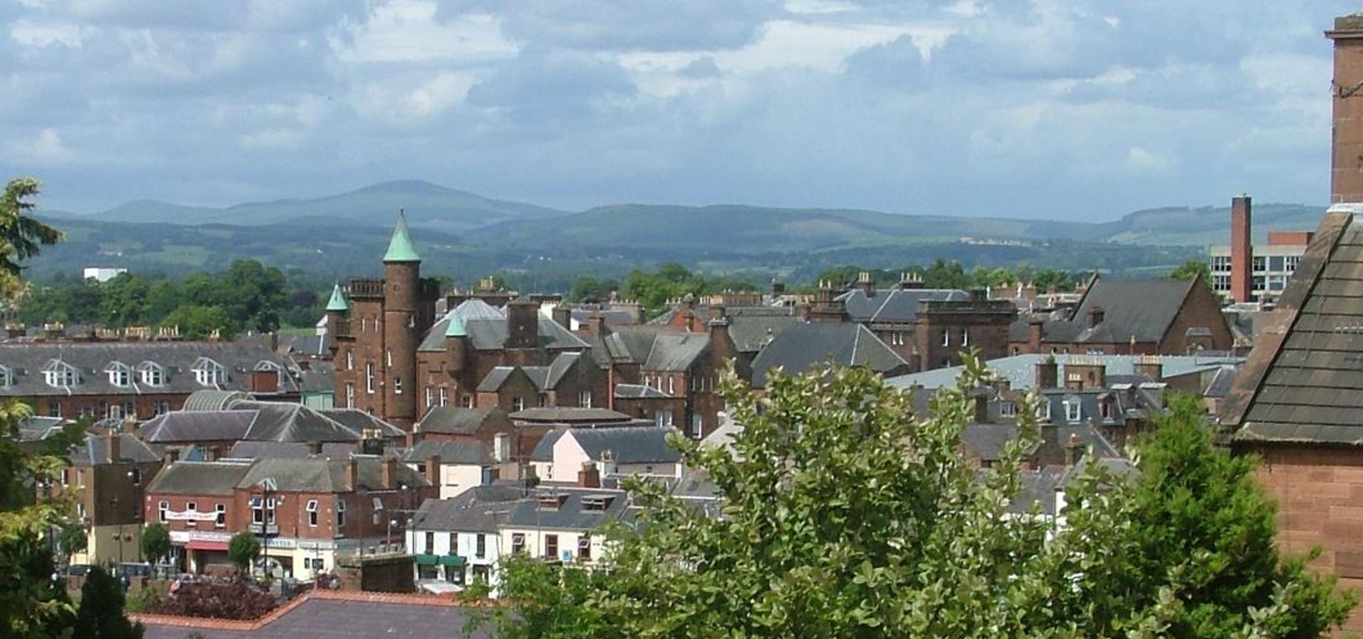 Peer-to-peer advisory in Dumfries, Scotland, Great Britain
