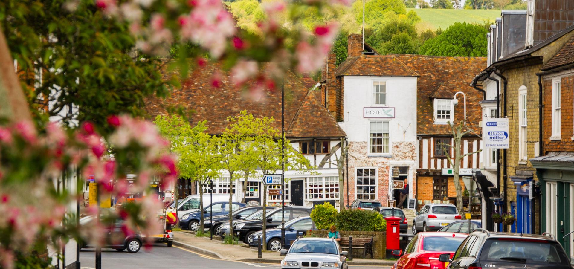 Peer-to-peer advisory in Lenham, Kent, England, Great Britain