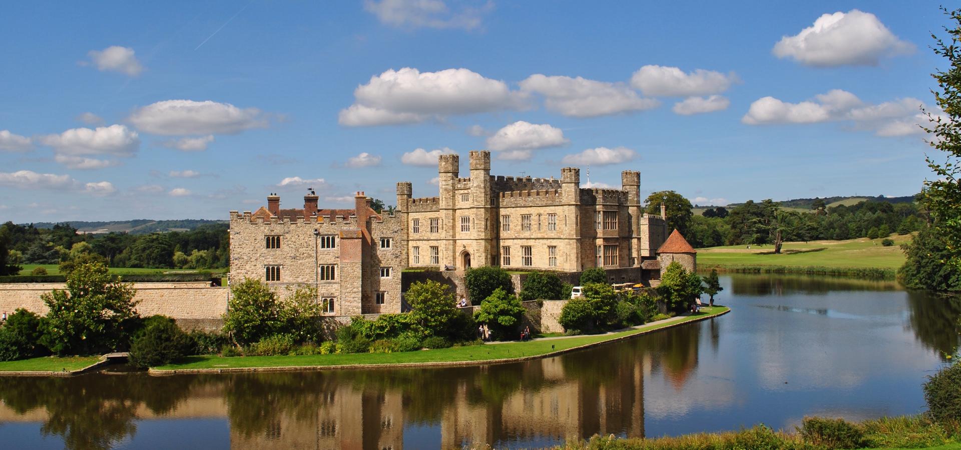 Peer-to-peer advisory in Leeds Castle, Kent, England, Great Britain