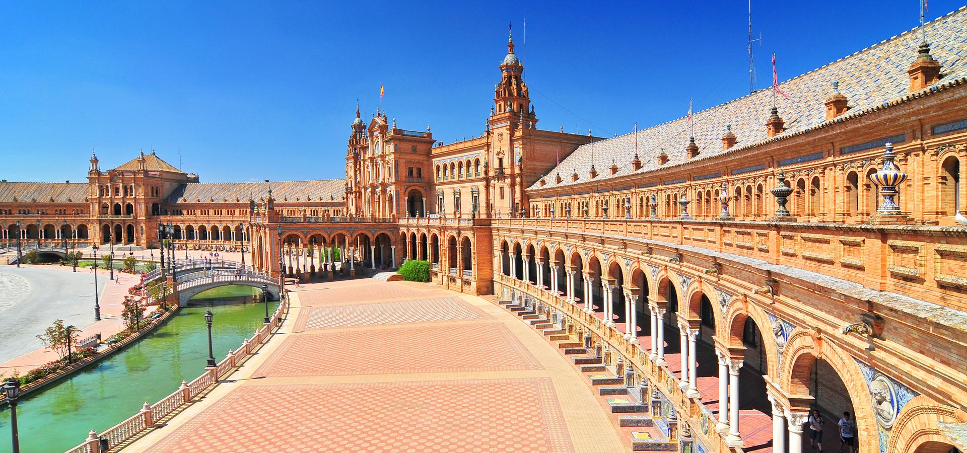 Peer-to-peer advisory in Algeciras, Andalusia, Spain