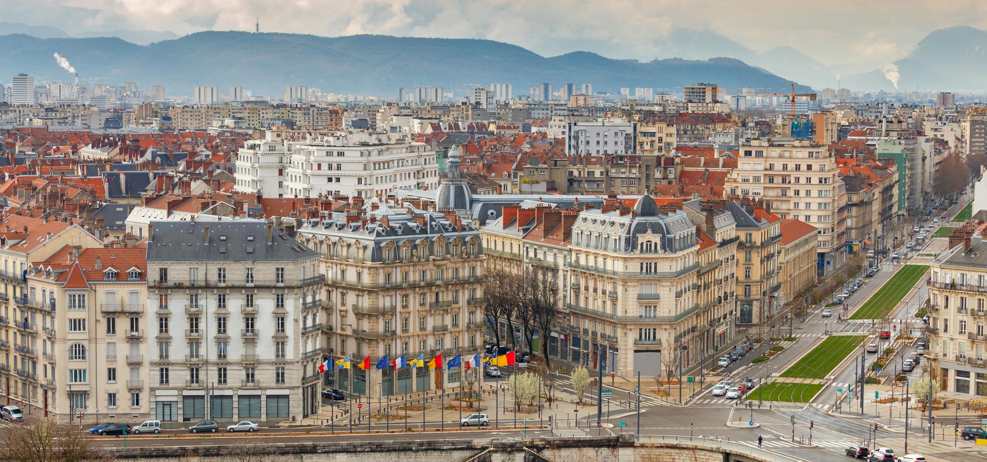 Peer-to-peer advisory in Grenoble, Isère Département, Rhône-Alpes Département, France