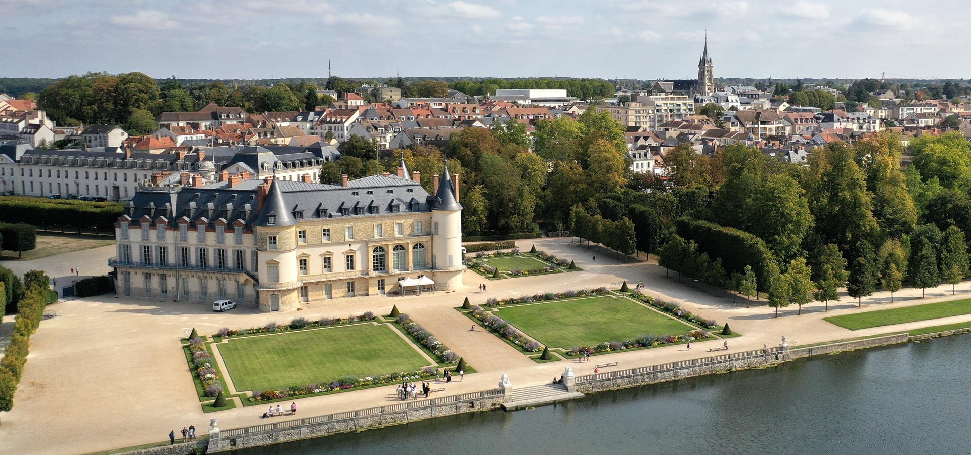 Peer-to-peer advisory in Versailles, Yvelines, Île-de-France, France
