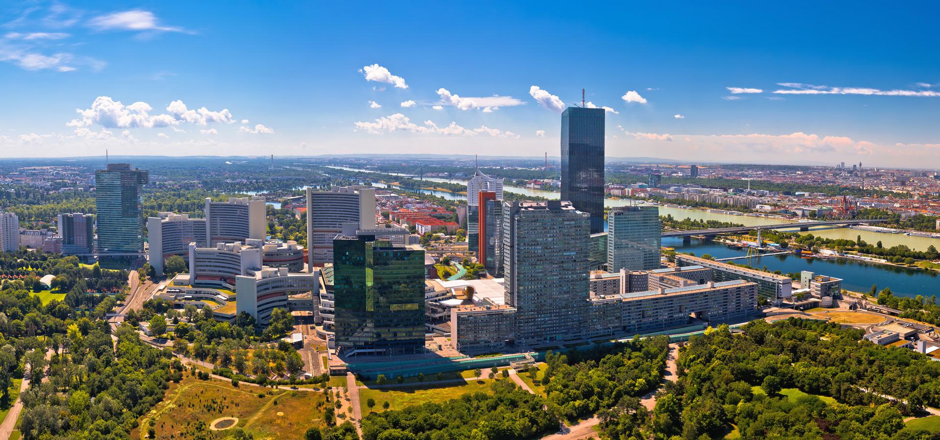 Peer-to-peer advisory in Vienna, Wien State, Austria